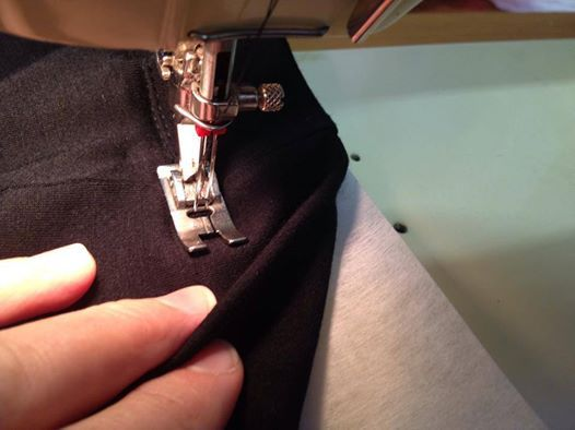 Hemming A Dress Made Out Of Bamboo Stretch Fabric Problem Was The Mesmerizing Missing Stitches Sewing Machine