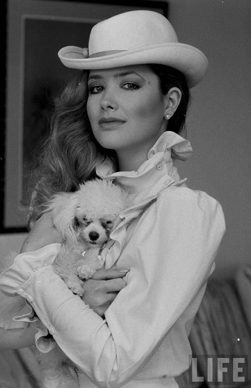 Janine Turner Girl and dog, Pamper pets, Janine turner