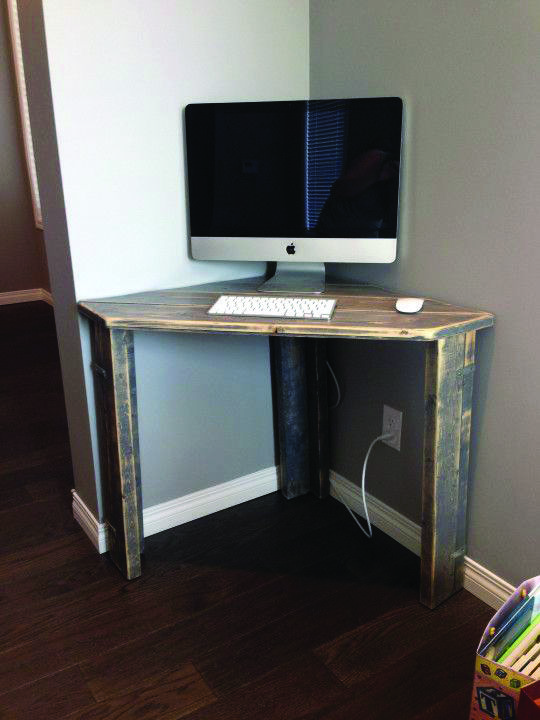 Suitable Corner Computer Desk Brisbane Only On This Page Diy Corner Desk Small Corner Desk Diy Desk Plans
