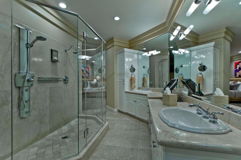 9140 Golden Eagle Dr Las Vegas, NV 89134 Agent; Diane Varney master bath