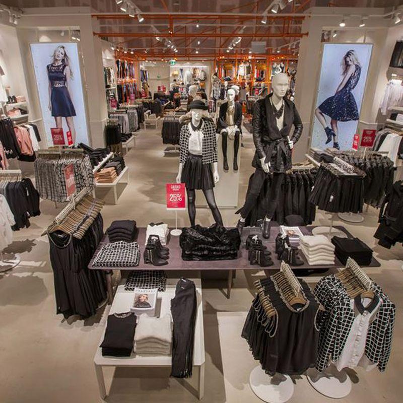 Luxury Hign End Retail Shop Furniture Garment Display Design Clothing Retail Retail Store Design Clothing Displays
