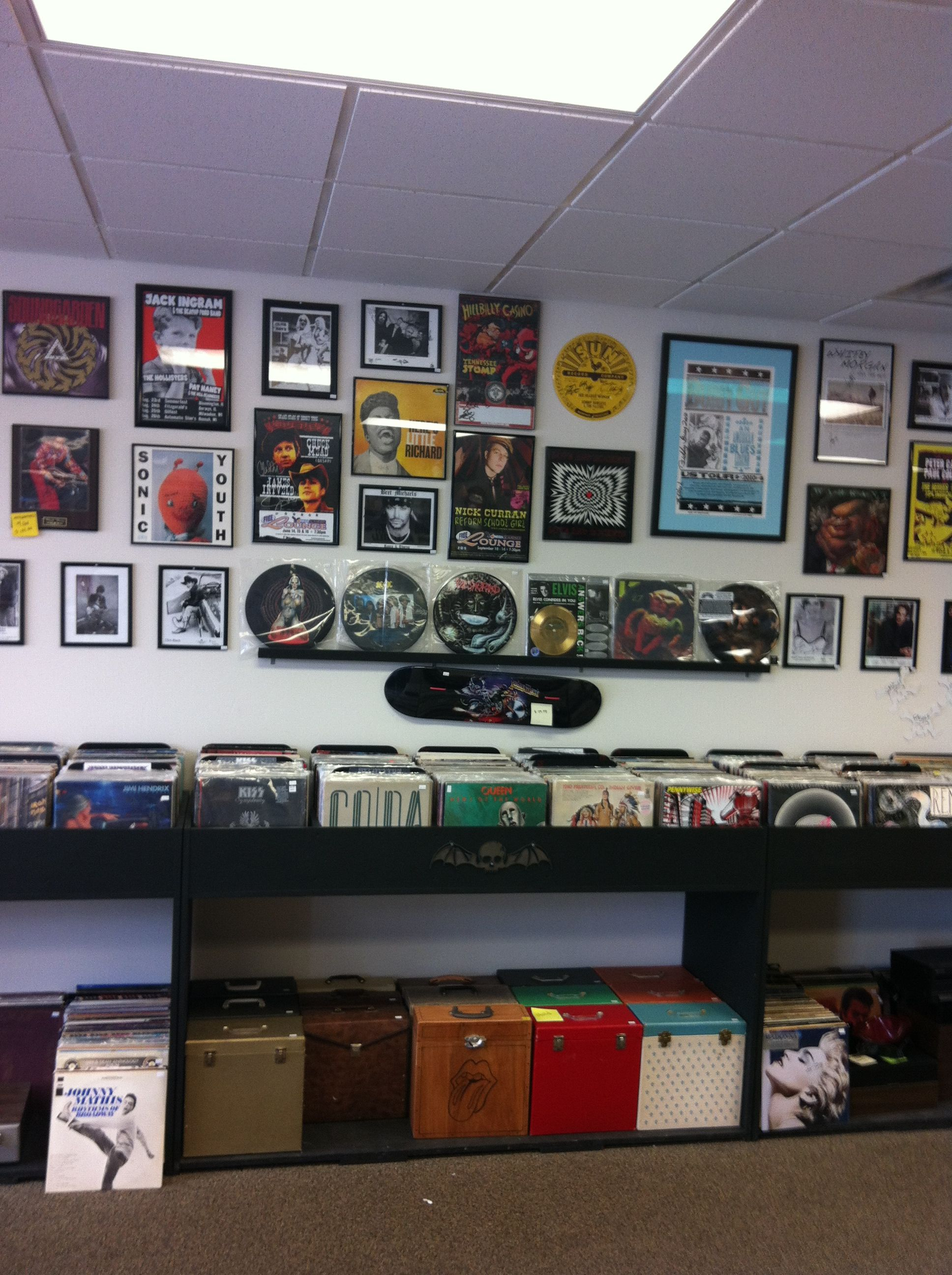 Rock n Roll Lands Wall of Fame