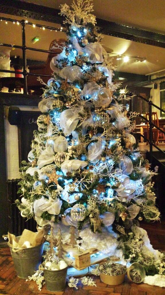 Amazing Christmas trees for hire. Our amazing Christmas trees can be hired  in the UK. - Amazing Christmas Trees For Hire. Our Amazing Christmas Trees Can Be