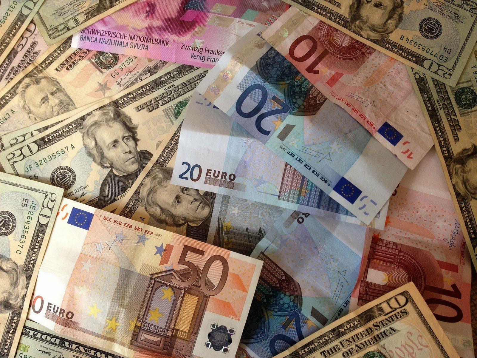 Euros And Dollars What S The Best Way