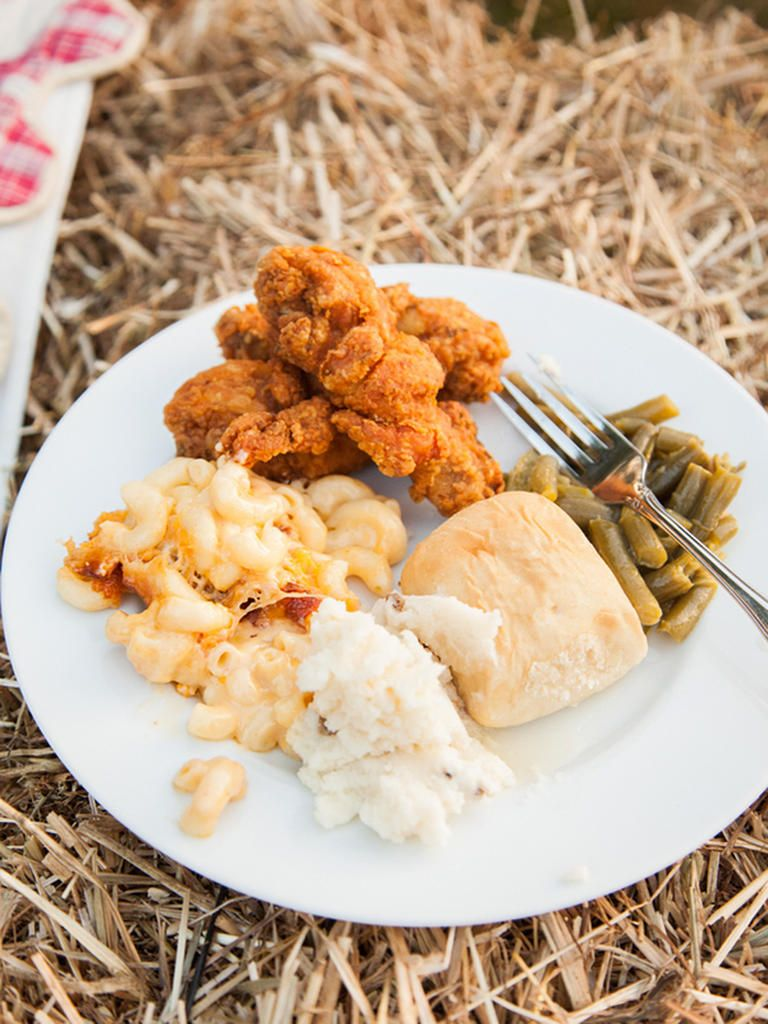 Southern Wedding Food For A Reception Dinner Mac And Cheese Mashed Potatoes Fried En Green Beans
