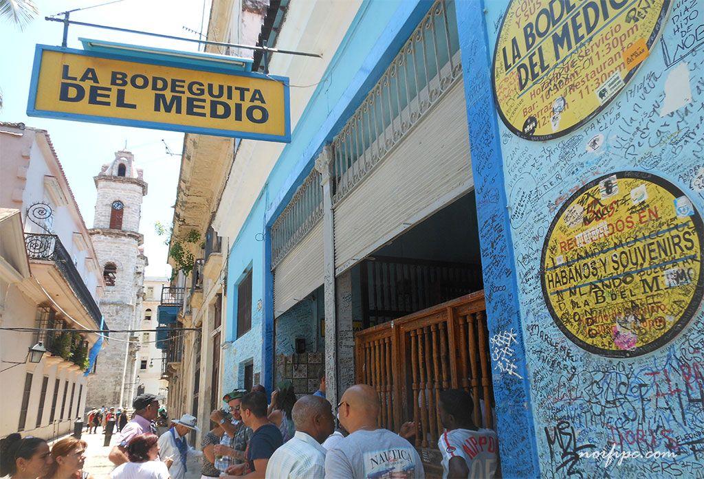 La Plaza De La Catedral De La Habana Vieja Y Sus Alrededores Imagenes De Cuba La Bodeguita Del Medio Catedral
