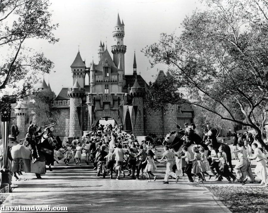 Opening day disneyland anaheim ca july 17 1955 disneyland opening day disneyland anaheim ca july 17 1955 freerunsca Choice Image