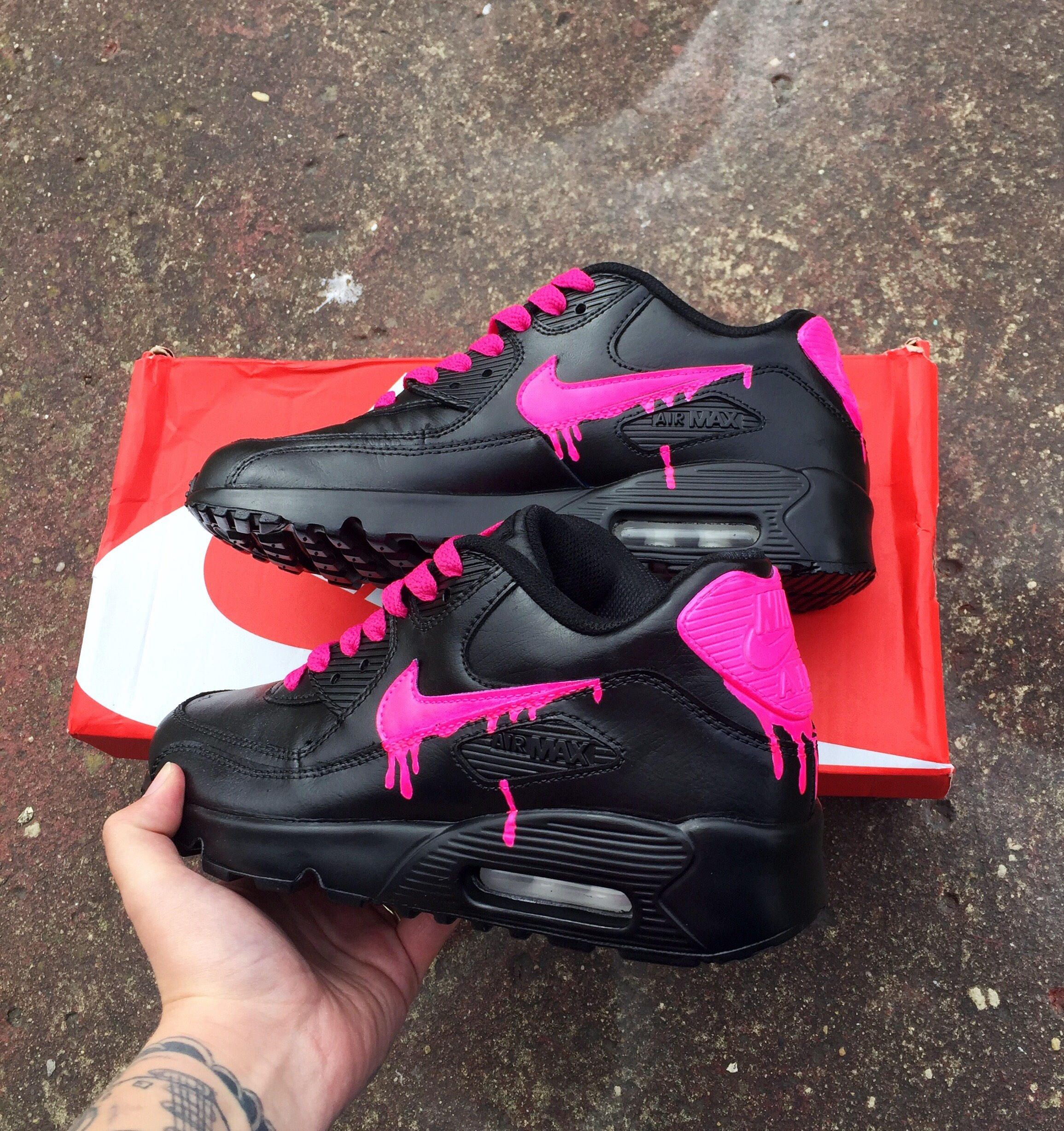 women nike air max trainers pink