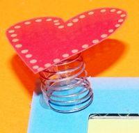 Coeur sur ressort, un bricolage fete des meres Tête à modeler | Bricolage fête des mères, Carte ...