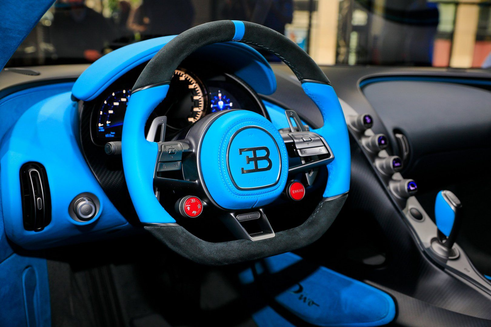 Bugatti Divo Looks Spectacular Under Any Light Check It Out In 92 Images From Paris Carscoops In 2020 Bugatti Bugatti Cars Super Cars