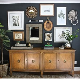 It's #ff #followfriday and I want to share one of my favorites! Kris @drivenbydecor has amazing style and is super sweet, too! I love these dark walls and the gallery wall she created, don't you? Follow her/ she's inspiring and awesome!