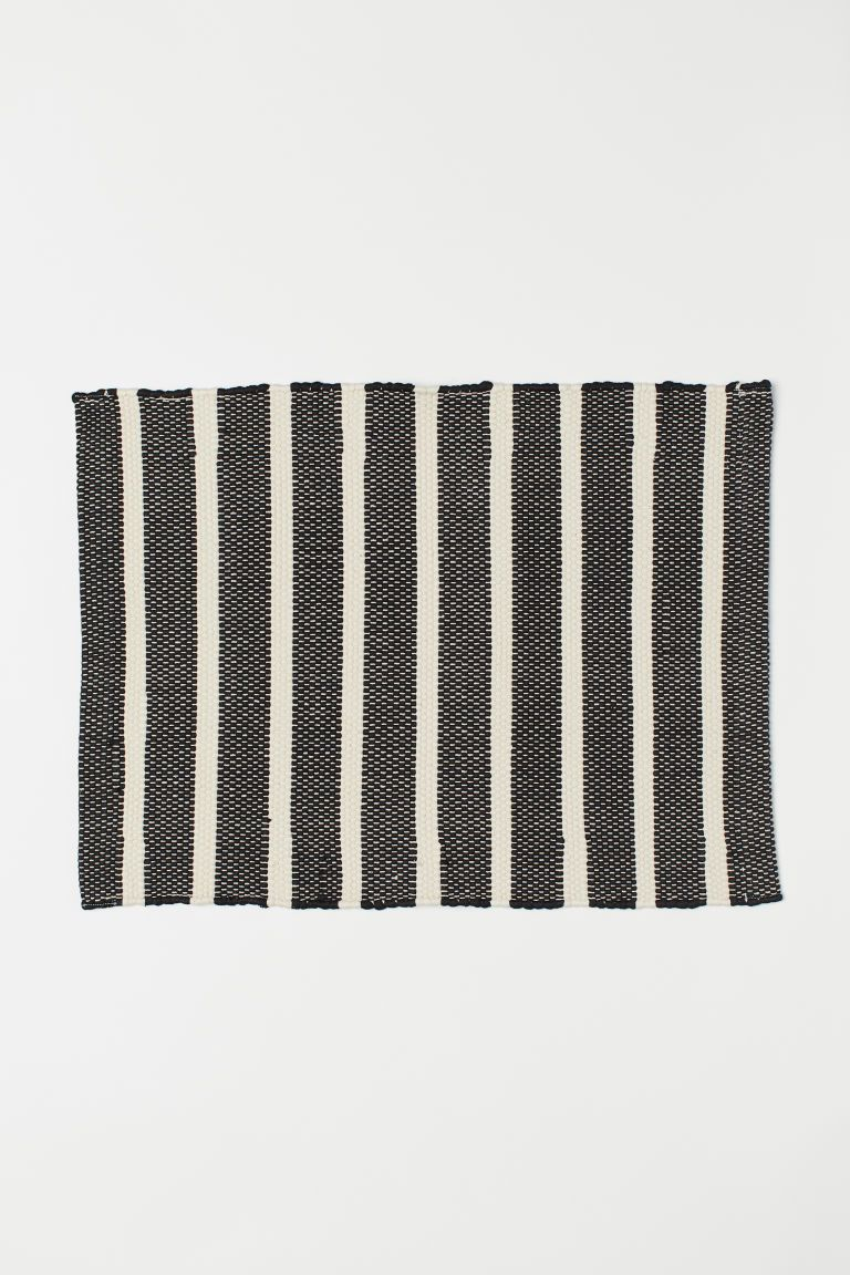 Badematte H&m Striped Bath Mat In 2019 Rugs Black Bath Mat Bath Rugs Bath