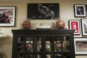 10 Tips For Displaying Sports Memorabilia