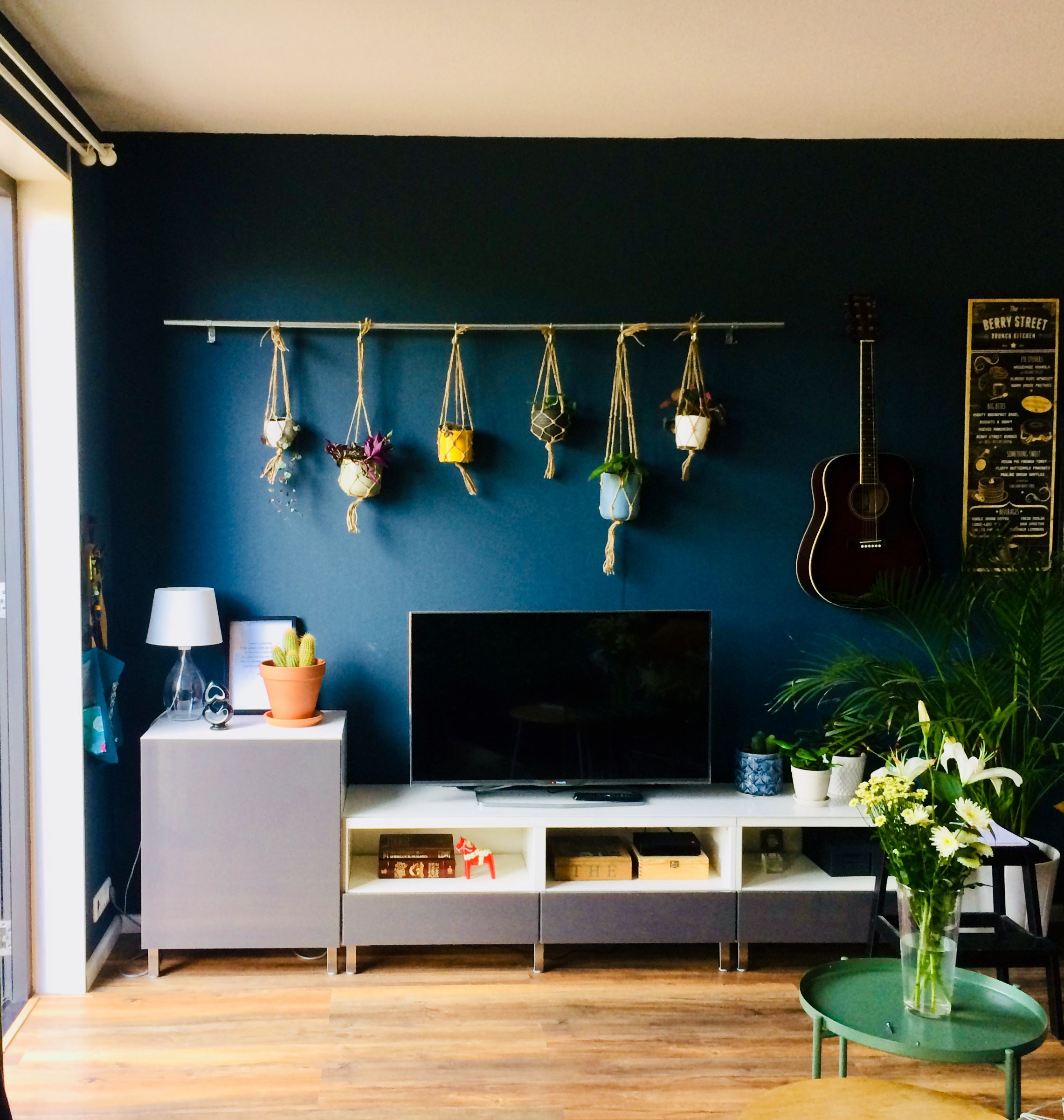 Blue wall with tv stand And macramé plant hanging bar. Ikea Bestå. | Blue  walls, Living room pillows, Blue living room