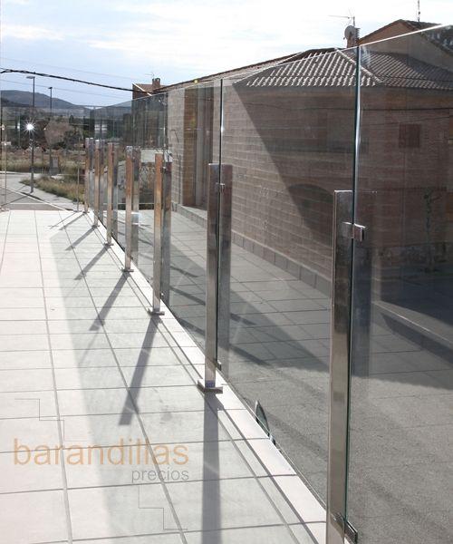 Barandilla exterior en inox y cristal    wwwbarandillasprecios