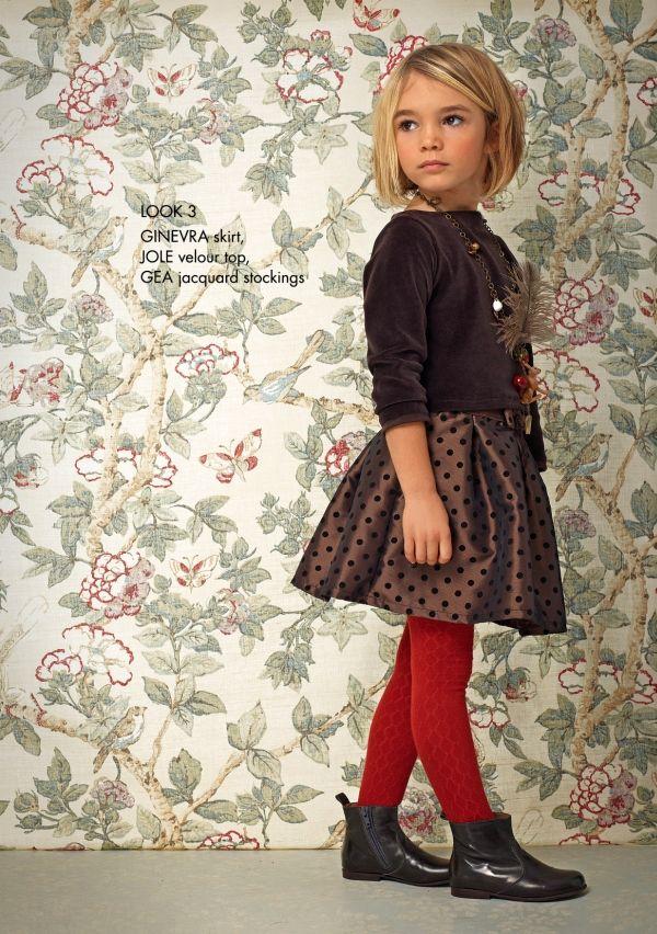 Robes et coiffures photo de mode pour enfants