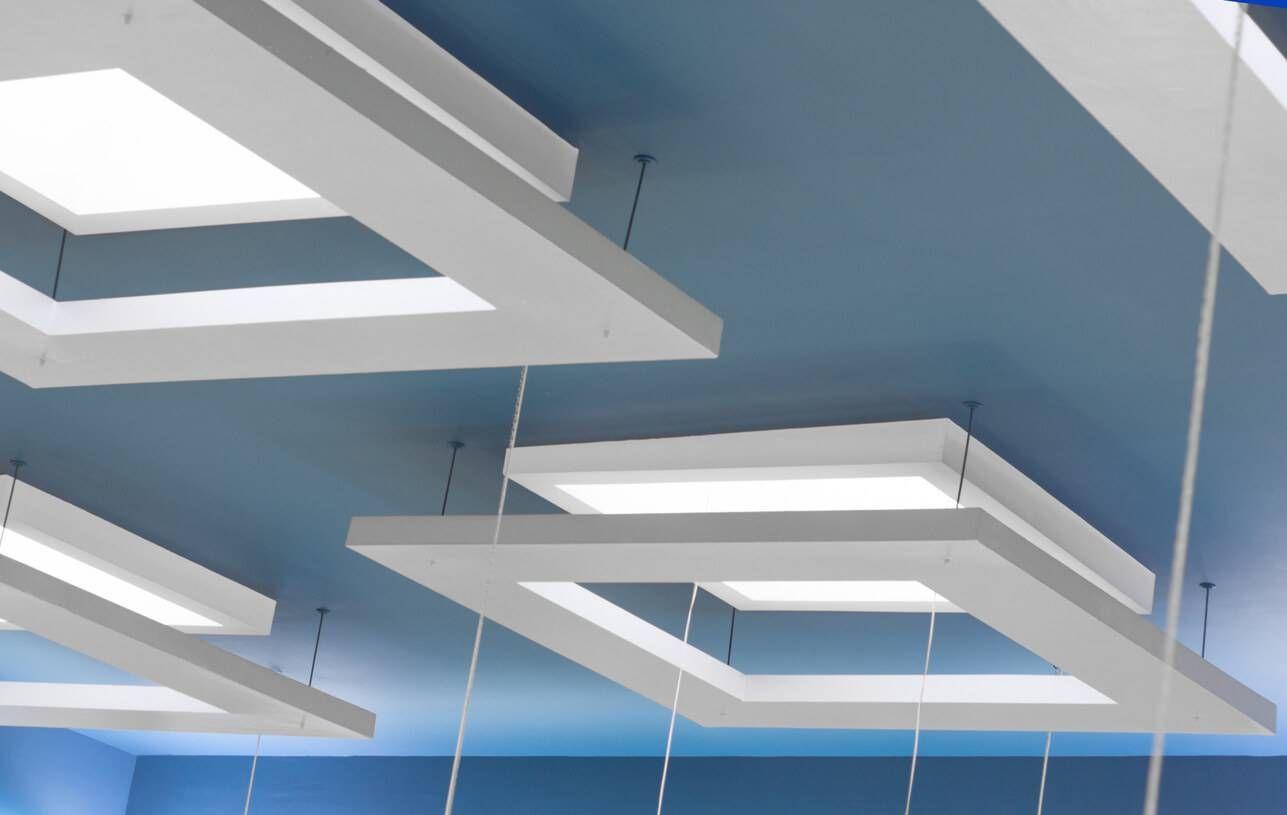 faux plafond suspendu ou tendu lequel choisir faux plafond suspendu plafond suspendu et. Black Bedroom Furniture Sets. Home Design Ideas