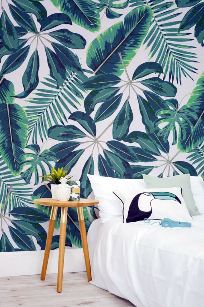 Stylecaster 33 Genuinely Elegant Ways To Decorate Your Home With Tropical Wallpaper Papier Peint Tropical Papier Peint Deco Tropical wallpaper bedroom ideas