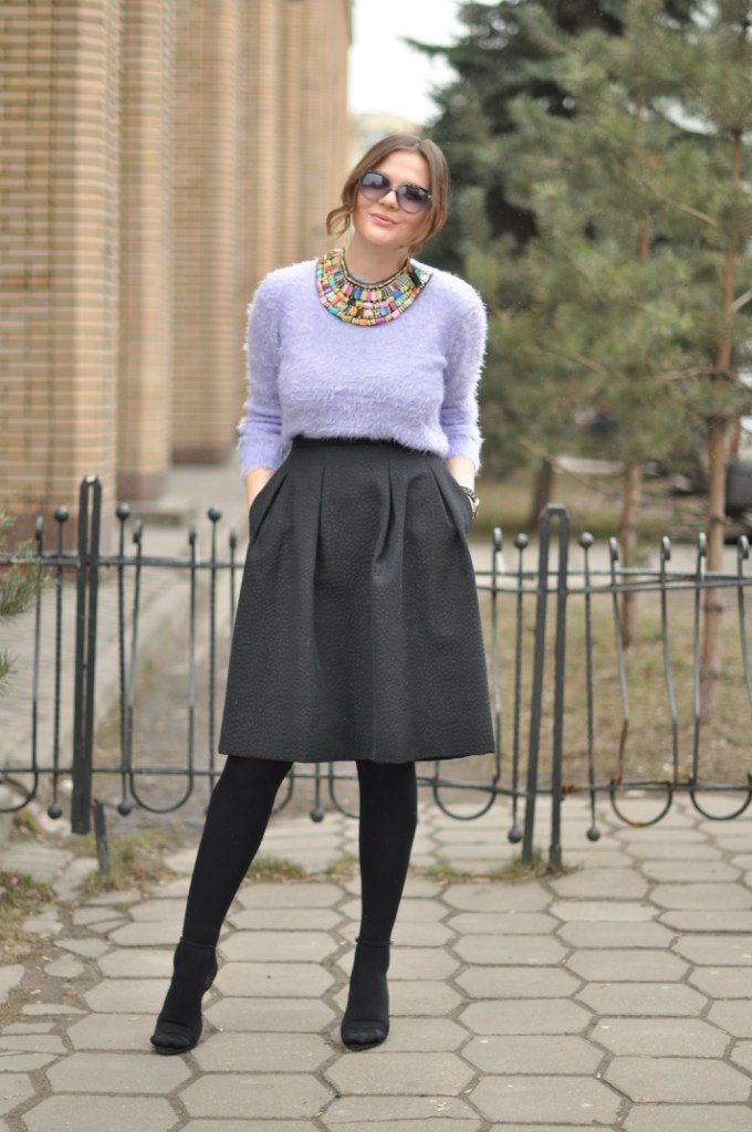 Photo by Juliet Polilova, Russian Doll Fashion blog. Street Style. Looks.  Outfits. Trends. Inspiration. Midi skirt. Lilac fluffy sweater. Tribal  necklace.