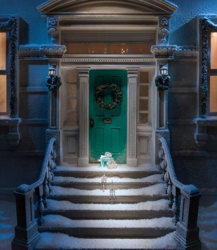 Tiffany Co Holiday Window Displays 2012 Holiday Window Display Christmas Window Display Front Door