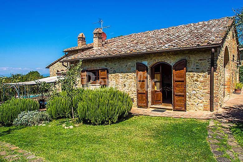 Villa in affitto siena case bellissime case rustiche e for Case bellissime esterni