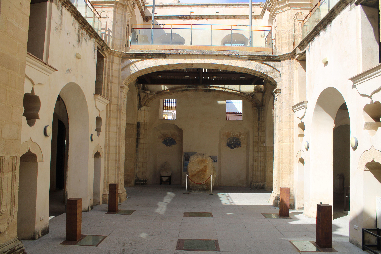 iglesia inacabada del Hospital de la Divina Providencia, en El Puerto de Santa María, fondo del templo