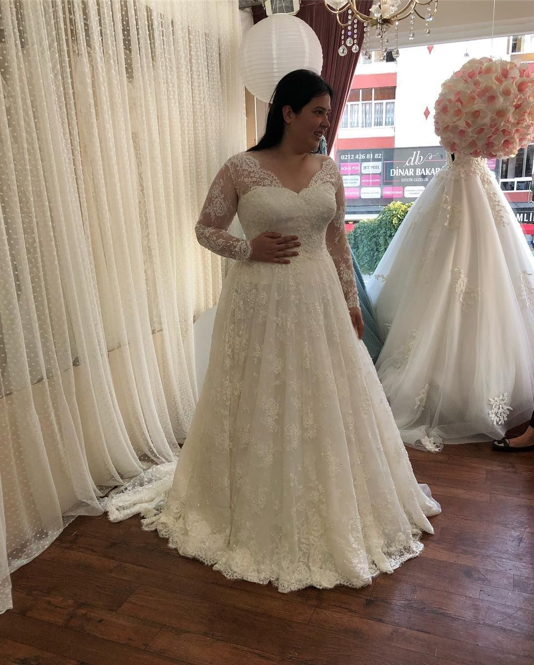 Designer Wedding Gowns For Less: Designer Of Wedding Gowns, Evening Dresses & Replications