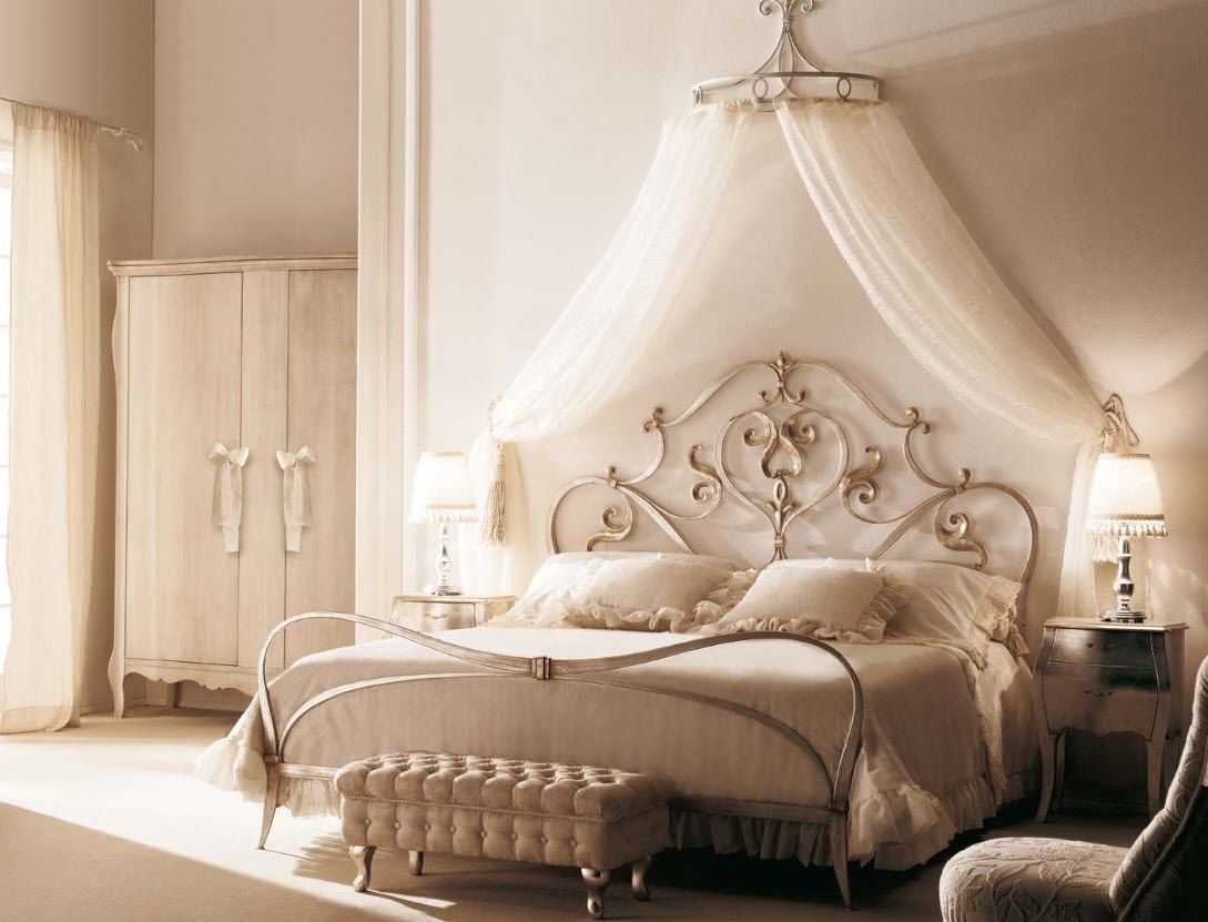 - Traditional Canopy Double Bed - LOLITA - GIUSTI PORTOS Justine
