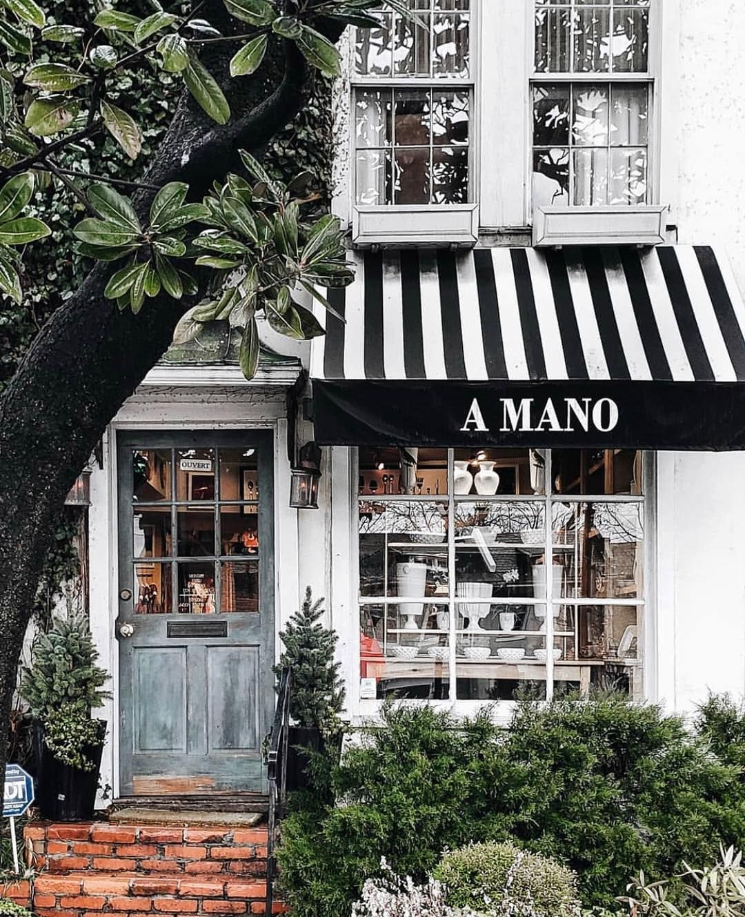 The Shopkeepers On Instagram A Mano Washington D C Iumarkhan Always Love A Black White Awning Excited T Beautiful Night Sky Ivy House Black And White