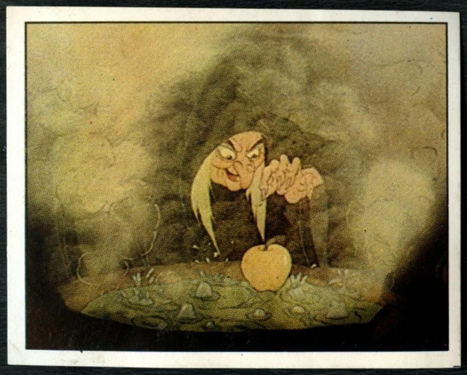 C1390 Snow White#27 Snow White And The Seven Dwarfs 1987 Panini Disney Sticker
