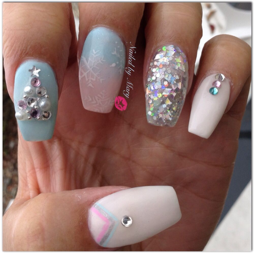 Christmas Pastel White Winter Snow Flake Coffin Ballerina Glitter Nails Nails Cute Christmas Nails Chic Nails