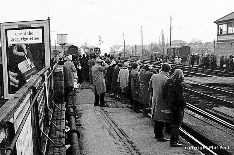 d35f1adcbadfe31810999dbdf6a35981 - Rail trespassers of 1965