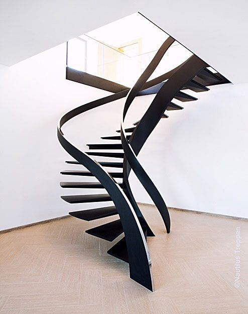 Skulpturtreppen moderne innentreppen mit design scale for Appartamento design industriale