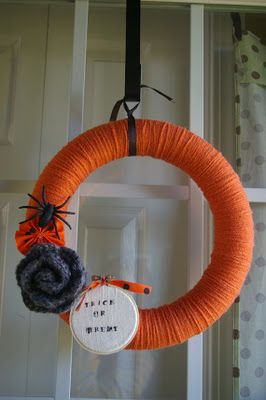 Halloween wreath from The Lulu's Nest
