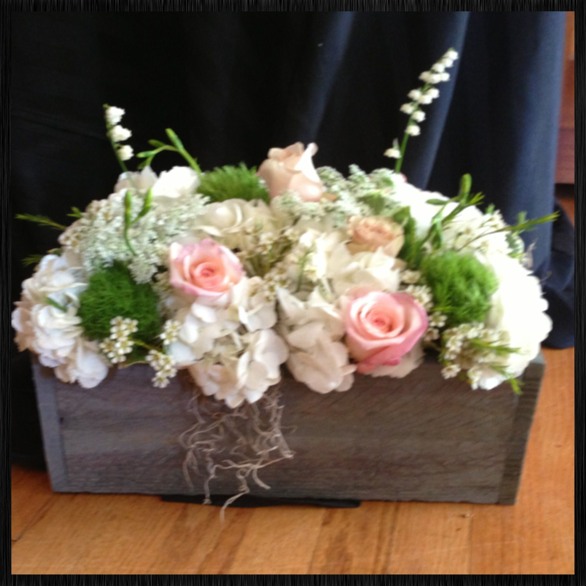 Country, Rustic Centerpiece In Wooden Distressed Box