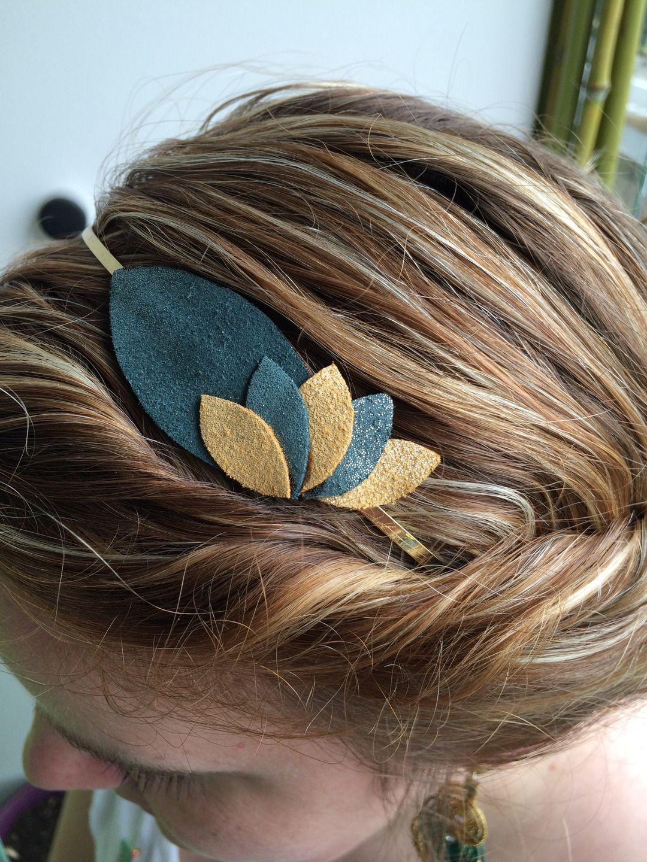 Serre tête motifs pétales en cuir vert et doré pailleté   Accessoires  coiffure par nais a479d73a1b5
