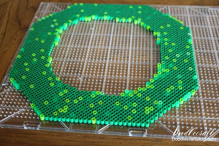 8 Bit Geekery Perler Bead Wreath DIY | Perler beads, Diy ...