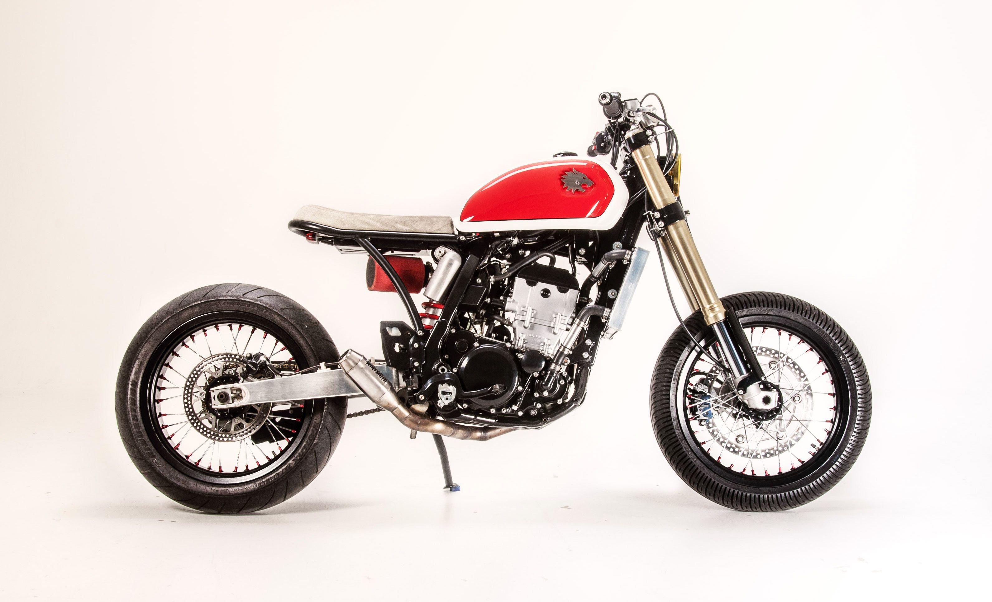 2001 suzuki drz 400 e a cafe racer based on enduro bike. Black Bedroom Furniture Sets. Home Design Ideas
