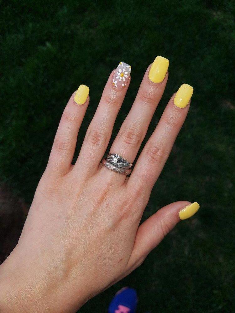 Pin by sham on nail wedding acrylic nails daisy