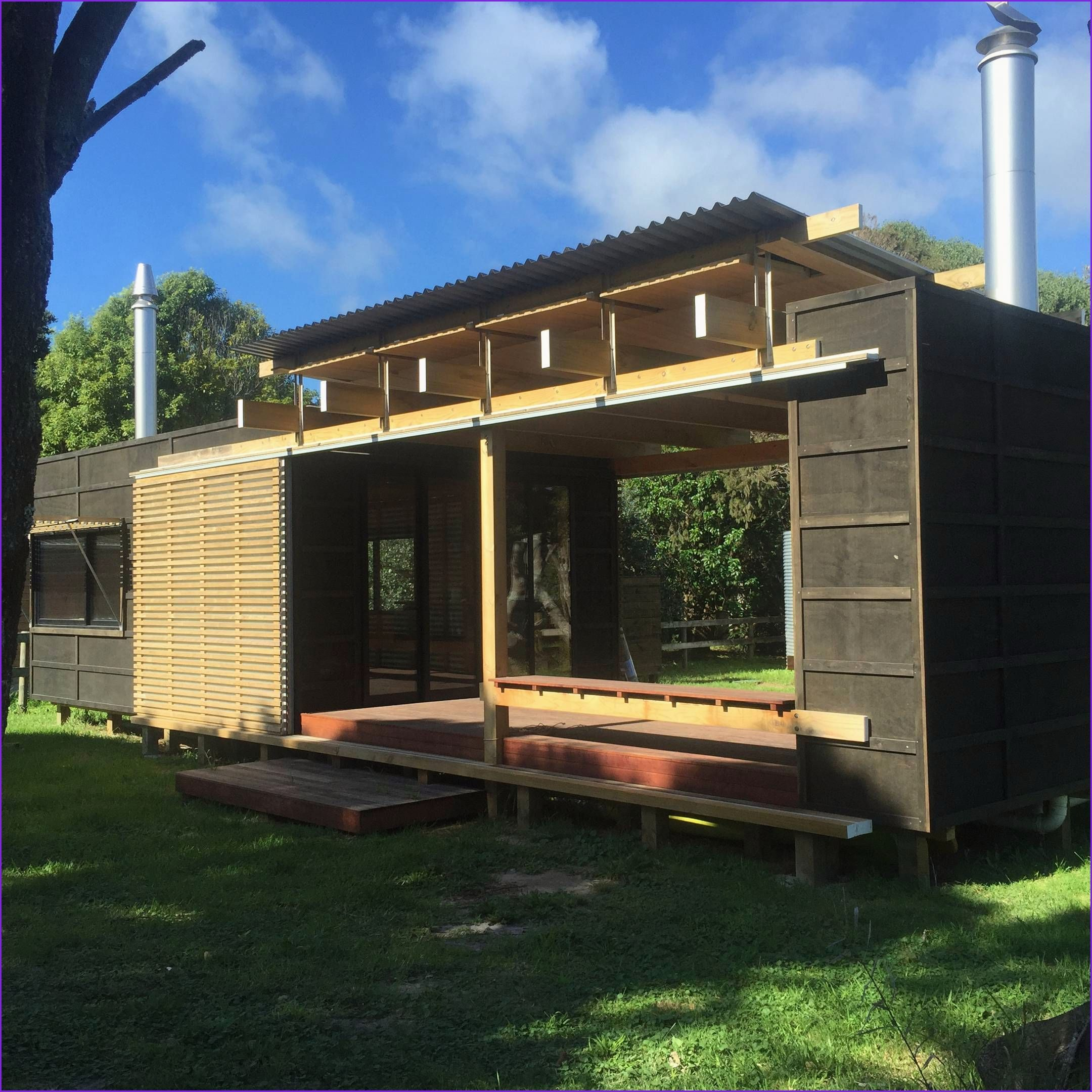 Awesome Prefabricated Small House in 2020 Container