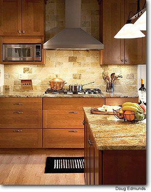 Kitchen Backsplash Cherry Cabinets   Trendy kitchen ... on Kitchen Backsplash Ideas With Maple Cabinets  id=53099