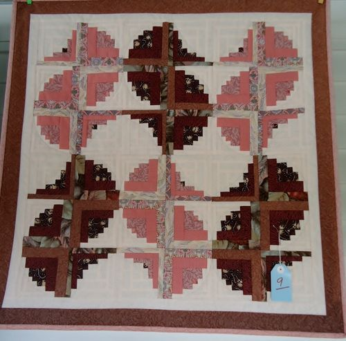 More For May Log Cabin Quilts Log Cabin Quilt Pattern Log Cabin Quilt
