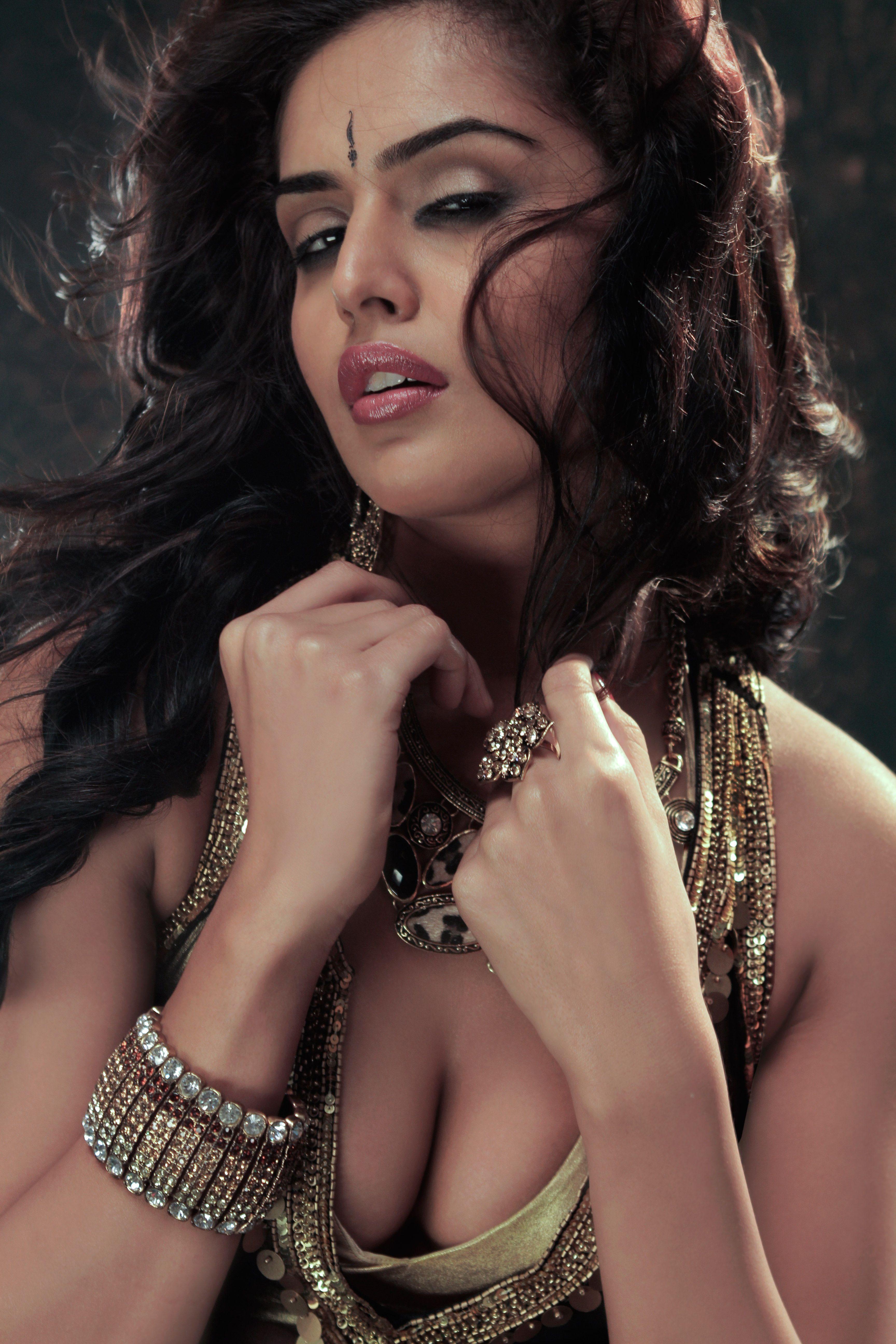Paparazzi Nathalia Kaur naked (91 photo), Tits, Hot, Instagram, butt 2015