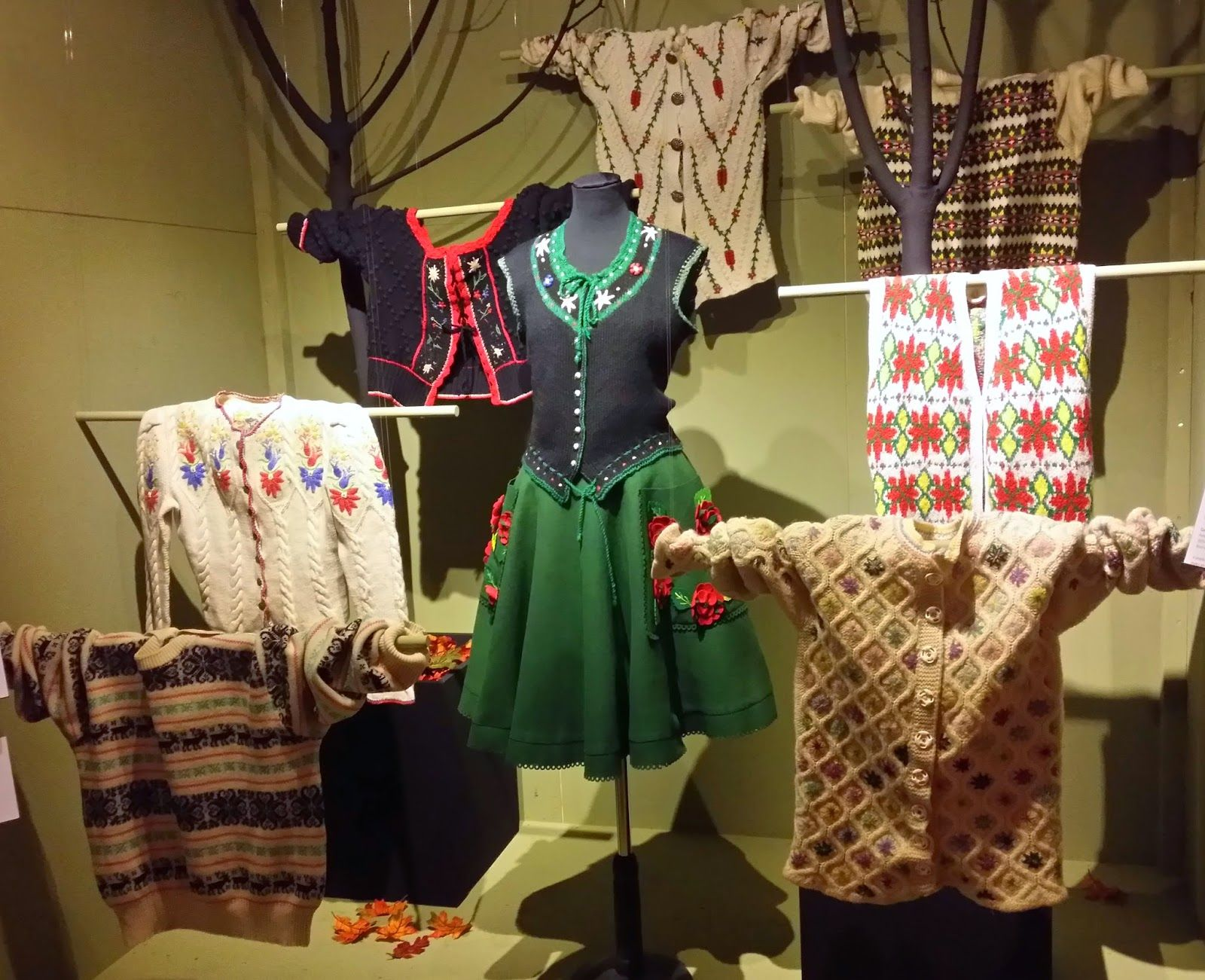 Alice in Wonderland: KNITWEAR Chanel To Westwood at the Fashion & Textile Museum