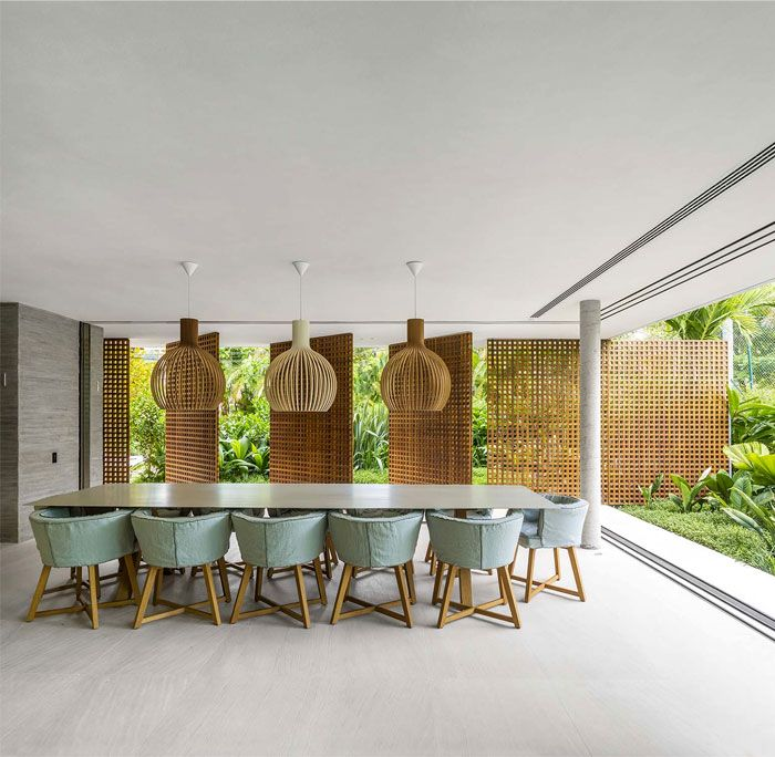 Modern Tropical Minimalist House By Studio Mk27 Minimalist Dining Room Dining Room Design Modern Dining Room Wall Decor