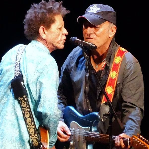 Wilson Cadillac: Bruce Springsteen Join Brian Wilson, The Beach Boys And Blondie Chaplin On Stage In Jersey July