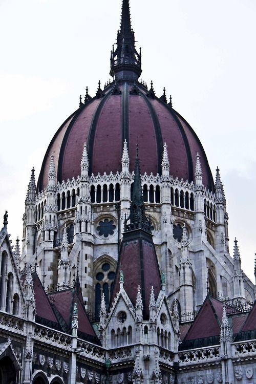 Gotische Pracht !! Ich habe keine Ahnung, was das ist, aber ich liebe es !!! #beautifularchitecture