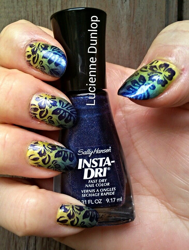 Green/blue ombre tropical nails: Revlon 560 Zealous, Sally Hansen HD ...
