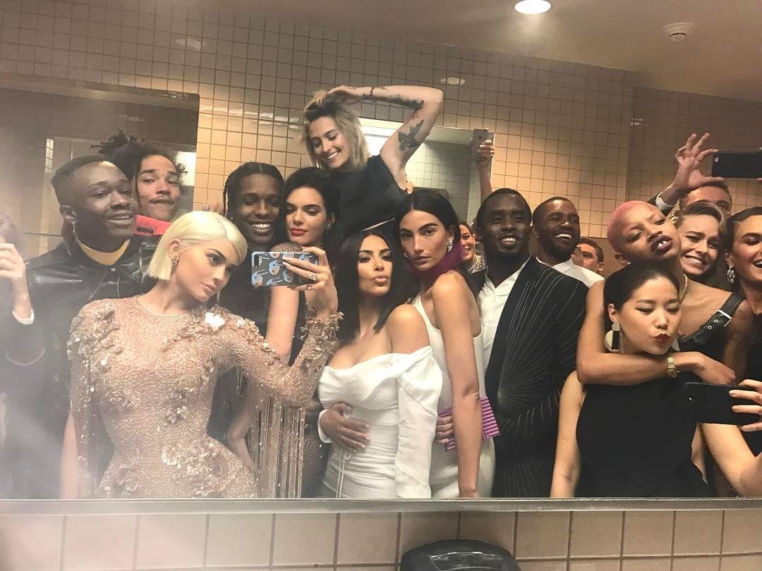 Annual Bathroom Selfie Kylie Jenner Met Gala Met Gala Kylie Jenner