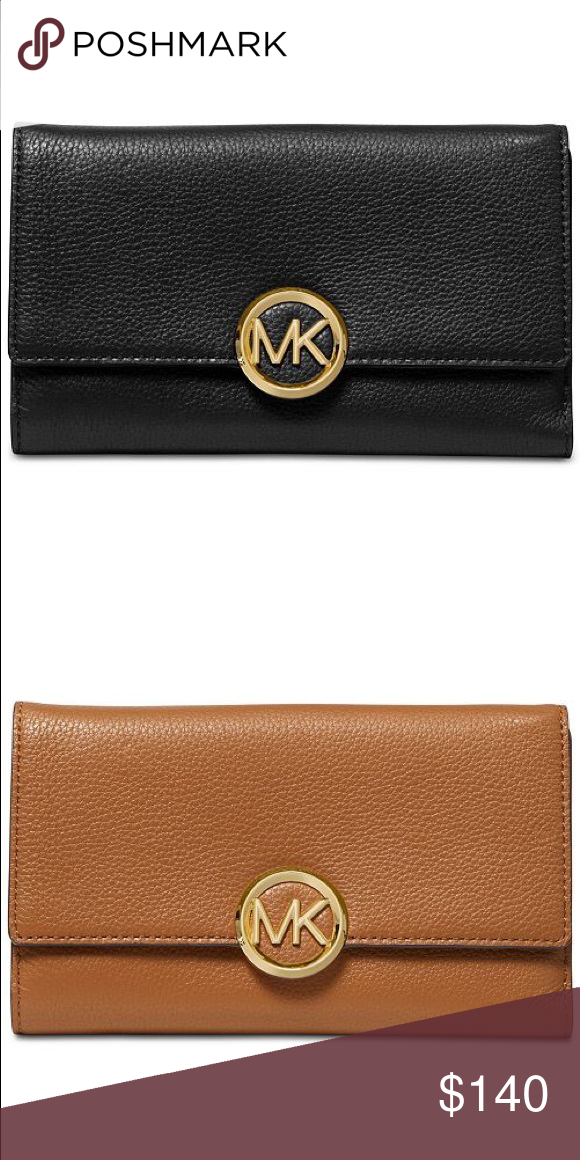 9c0732a181b5 Michael Kors Lillie Carryall Stylish pebble leather creates a luxe  foundation for organization with MICHAEL Michael